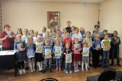 Воскресная школа Свято-Георгиевского храма устроила праздник с подарками