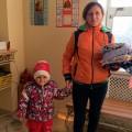 Социальный отдел Челябинской епархии и «Gloria Jeans» раздали крупную партию вещей малоимущим и многодетным семьям