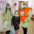 Социальный отдел Челябинской епархии и продовольственный фонд «Русь» раздали 170 подарочных наборов
