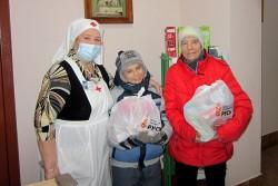 Благотворительная помощь от фонда «Русь». «Особенно радует, когда приходят многодетные мамочки»…